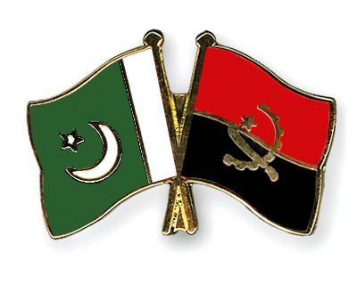 Crossed Flag Pins Pakistan-Angola