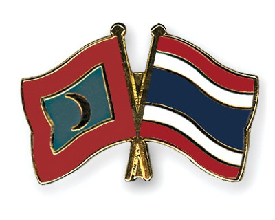 Crossed Flag Pins Maldives-Thailand