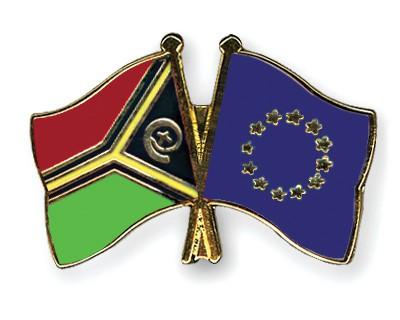 Crossed Flag Pins Vanuatu-European-Union
