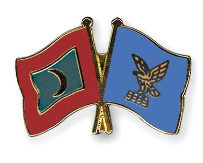 Crossed Flag Pins Maldives-Friuli-Venezia-Giulia