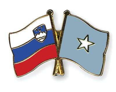 Crossed Flag Pins Slovenia-Somalia