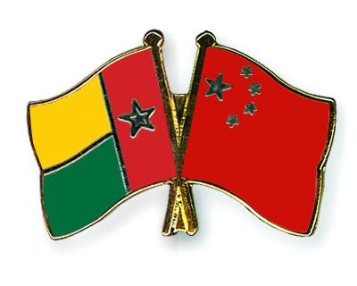 Crossed Flag Pins Guinea-Bissau-China