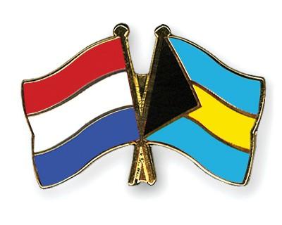Crossed Flag Pins Netherlands-Bahamas