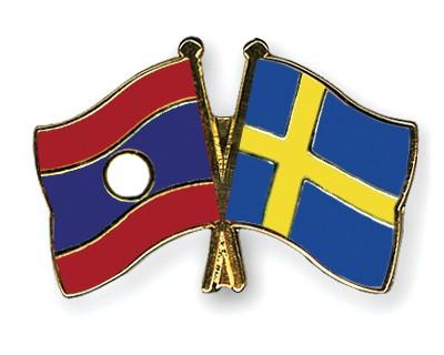 Crossed Flag Pins Laos-Sweden