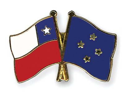 Crossed Flag Pins Chile-Micronesia