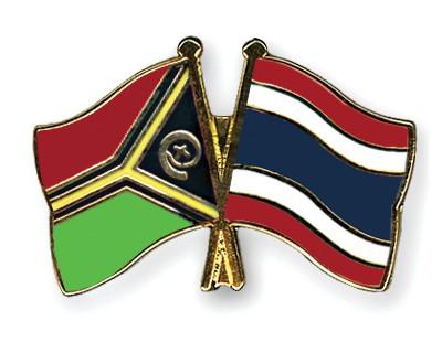 Crossed Flag Pins Vanuatu-Thailand