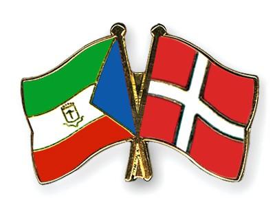 Crossed Flag Pins Equatorial-Guinea-Denmark