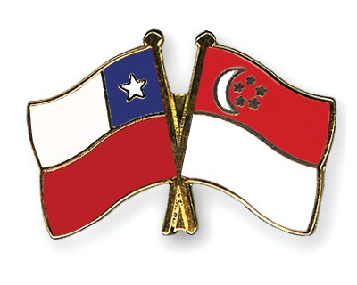Crossed Flag Pins Chile-Singapore
