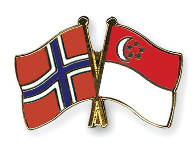 Crossed Flag Pins Norway-Singapore