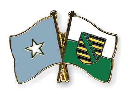 Crossed Flag Pins Somalia-Saxony