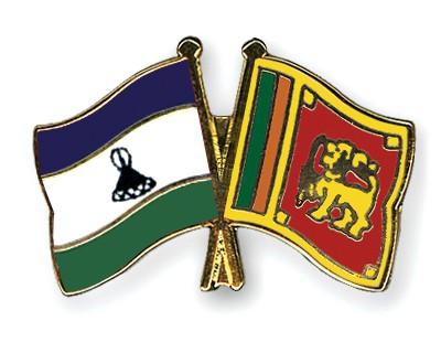 Crossed Flag Pins Lesotho-Sri-Lanka