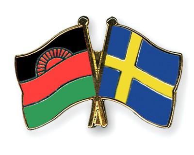Crossed Flag Pins Malawi-Sweden