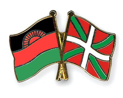Crossed Flag Pins Malawi-Basque-country