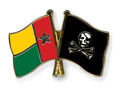 Crossed Flag Pins Guinea-Bissau-Pirate-with-Bone