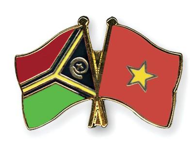 Crossed Flag Pins Vanuatu-Vietnam
