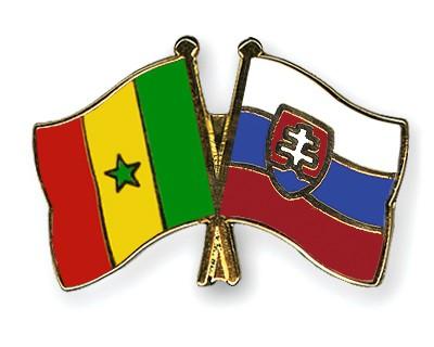 Crossed Flag Pins Senegal-Slovakia