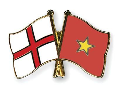 Crossed Flag Pins England-Vietnam