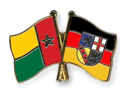 Crossed Flag Pins Guinea-Bissau-Saarland
