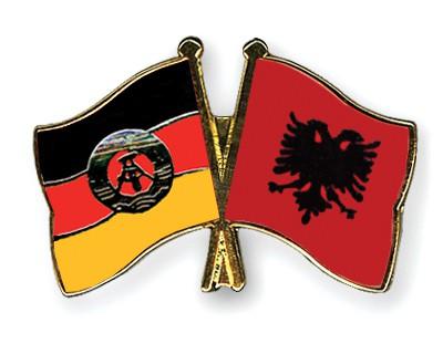 Crossed Flag Pins GDR-Albania