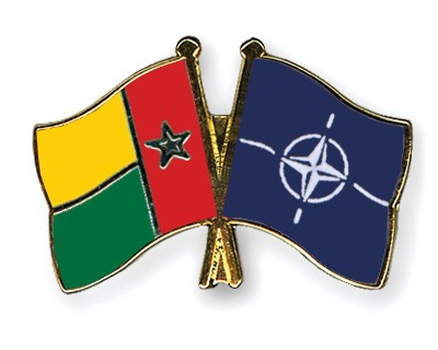 Crossed Flag Pins Guinea-Bissau-NATO