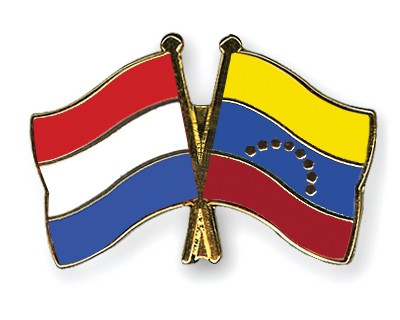 Crossed Flag Pins Netherlands-Venezuela