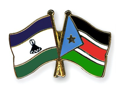 Crossed Flag Pins Lesotho-South-Sudan