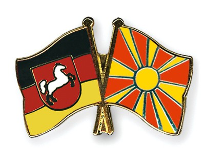 Crossed Flag Pins Lower-Saxony-Macedonia