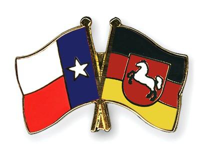 Crossed Flag Pins Texas-Lower-Saxony