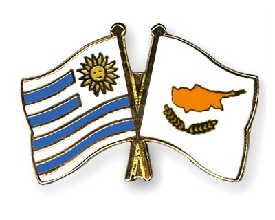 Crossed Flag Pins Uruguay-Cyprus