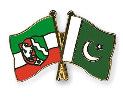 Crossed Flag Pins North-Rhine-Westphalia-Pakistan