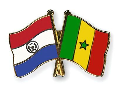 Crossed Flag Pins Paraguay-Senegal