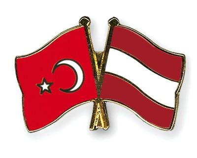 Crossed Flag Pins Turkey-Austria