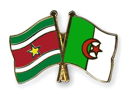 Crossed Flag Pins Suriname-Algeria
