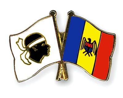 Crossed Flag Pins Corsica-Moldova