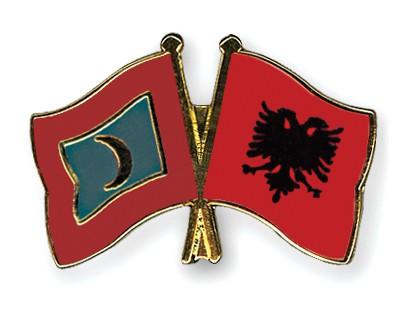 Crossed Flag Pins Maldives-Albania